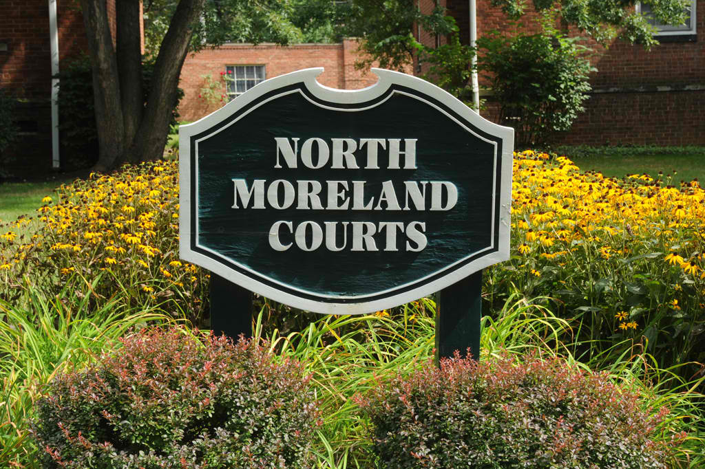 North Moreland Courts