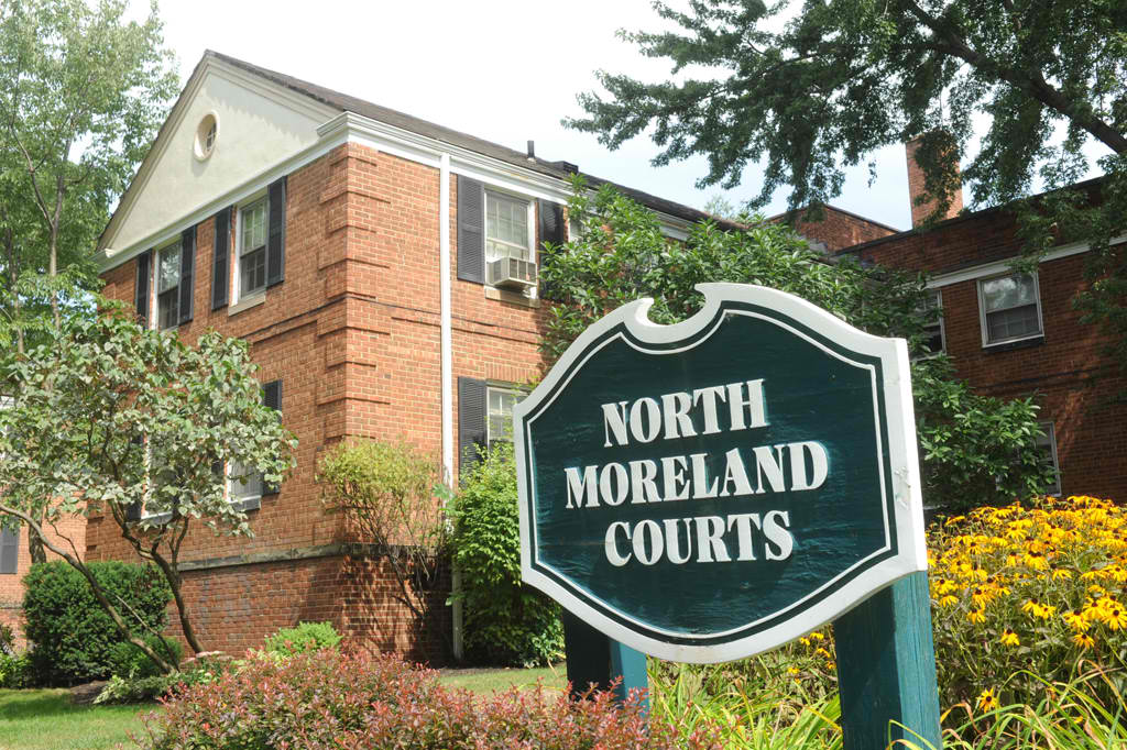 North-Moreland-Courts-2